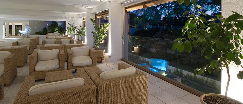 Hotel Acquaviva, Desenzano, Lake Garda, Italy - Lounge area.jpg
